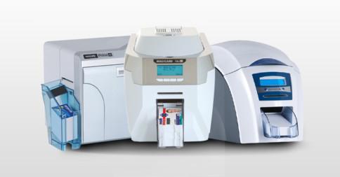Qual impressora de crachá automática da Magicard escolher?